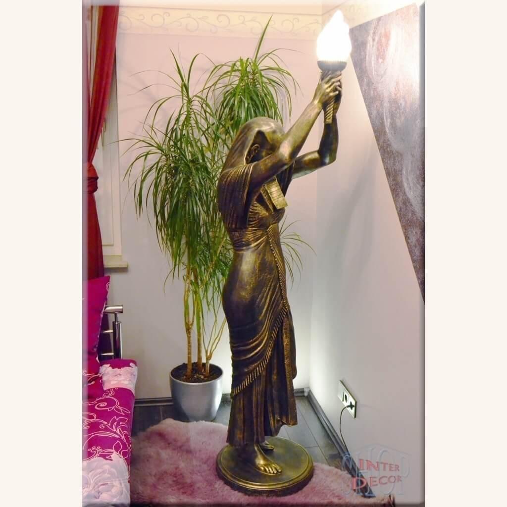 Stehlampe Lampe Sklavin XL Tischlampe Tischleuchte Steinlampe Nachttischlampe Schreibtischlampe Beleuchtung Bankerlampe Bastellampe Bodenlampe Dragon Gothic Bogenlampe Buffet Party Flächenleuchte Hängelampe Treppenbeleuchtung Ungewöhnliche Lampe Klemmlampe Lampenständer Leselampe Figur Göttin Pharao Medusa Versace Skulptur Statue Fackel Wandlampe Wandfackel Wandleuchte Leuchte Teelichthalter Antik Griechische Römische Ägyptische Französische Dekoration Garten Gartendekoration Mauern Modern Antike Marmor Optik Epochen Barock Klassische Art Deco Kunstharz Stuckgips Kunststoff Beton Stein Glas Metall Holz Rost Weiß Creme Ekrü Antik Gold Antik Silber Schwarz Silber Gold Grau Hell Dunkel Dekoration Skulptur Mythologie Artefakt Gusseisen Icon mit Schale Möbel Wohnzimmer Esszimmer Büro Badezimmer Küche Tarasse Blumentisch Leuchtsäule Leuchtturm Leuchtstein Dekosäule mit Licht Stehlampe Online Günstig Billig Kaufen Verkauf Kauf Versa Ebay Keinanzeigen Amazon Real.de Ikea Bader Poco Dehner Eiche Wohnung Haus Balkon Große Kleine Temple Tempel Regal Ideen Design Designer