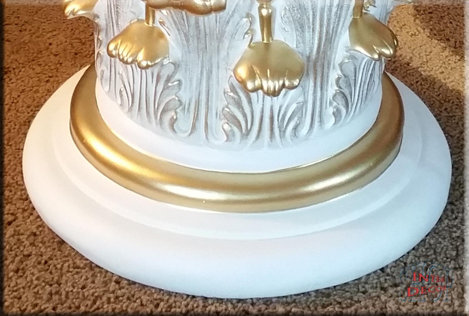 Dekor Stellen - Couchtisch Tisch Medusa Glastisch Möbel Wohnzimmertisch Esstisch Beistelltisch Versace Sofa-tisch Loft-tisch Pflanzen-tisch Stehtisch Truhen-tisch Kaffeetisch Telefontisch Schreibtisch Nachttisch Glasplatte Art Deko Erotik Sex Akt Glas Kunstharz Wohnzimmer Tischdeko Oval Rechteckig Rund Weiß Creme Antik-gold Antik-silber Antik Hell Dunkel